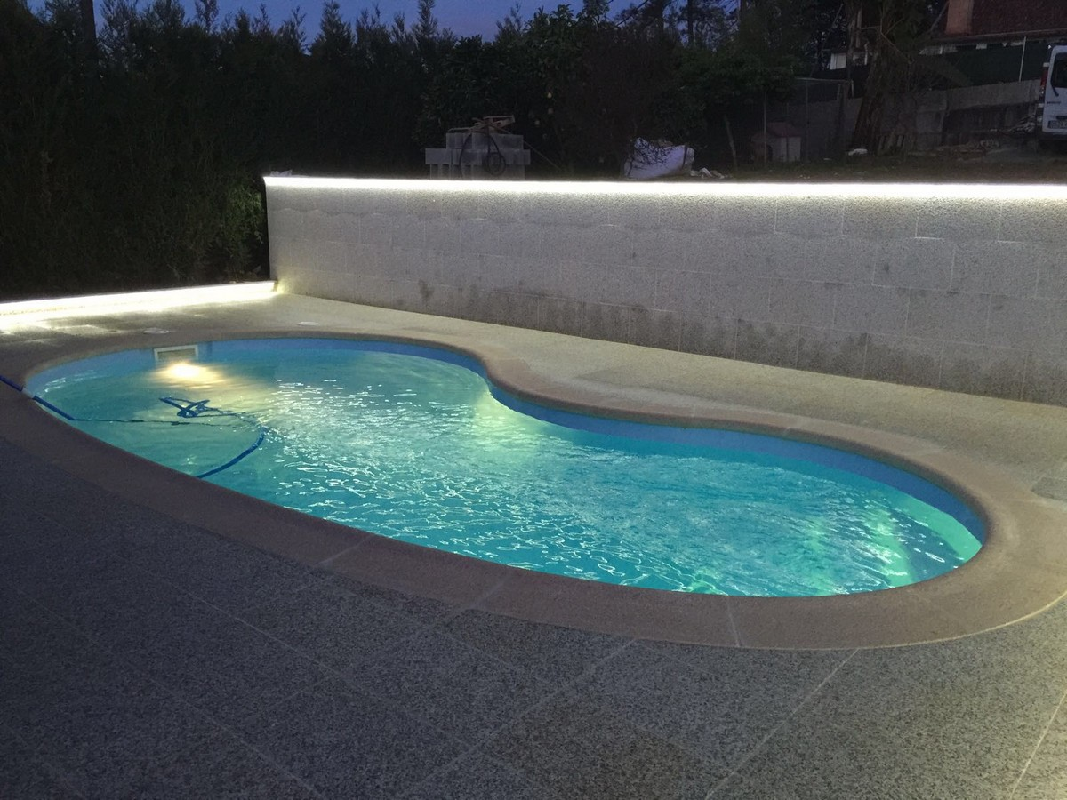 Piscina de fibra barata piscina de fibra piscinas for Piscinas desmontables grandes baratas